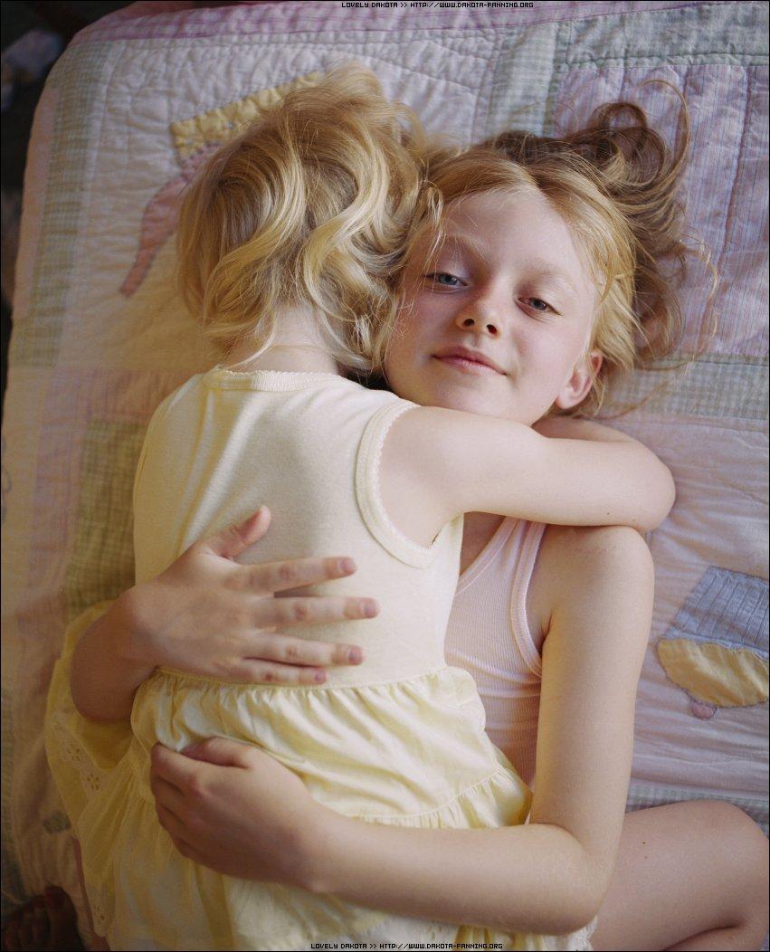 Эротика фото Смотреть как голые девки и девушки